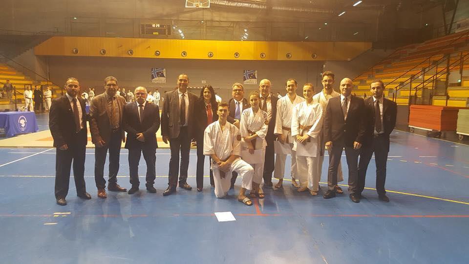 Les candidats Taï Jitsu entourés des jurys et des responsables départementaux - Passage de grade 1er et 2e dan